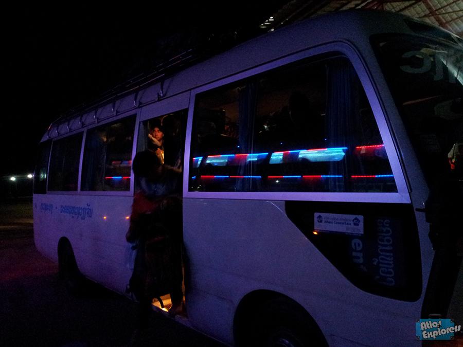 Laos-Minivan-Scam